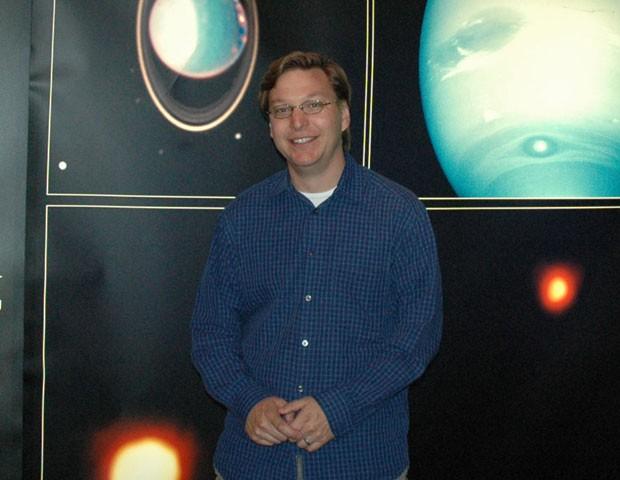 """O professor Mike Brown diz não se incomodar em ser chamado de """"assassino de Plutão"""" se isso contribui para a compreensão do Sistema Solar (Foto: SPL)"""