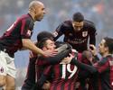 Milan derrota Genoa e segue na briga por vaga nas competições europeias