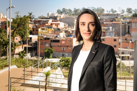 Maria Prata em gravação para o Mundo S/A (Foto: Ramón Vasconcelos)