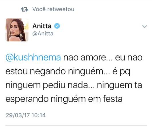 Anitta responde seguidor (Foto: Reprodução / Twitter)