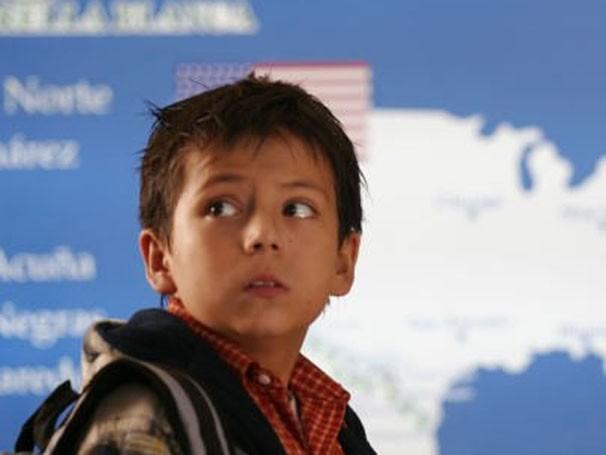 """Adrian Alonso interpreta Carlito no filme """"Sob a Mesma Lua"""" (Foto: Divulgação / Reprodução)"""