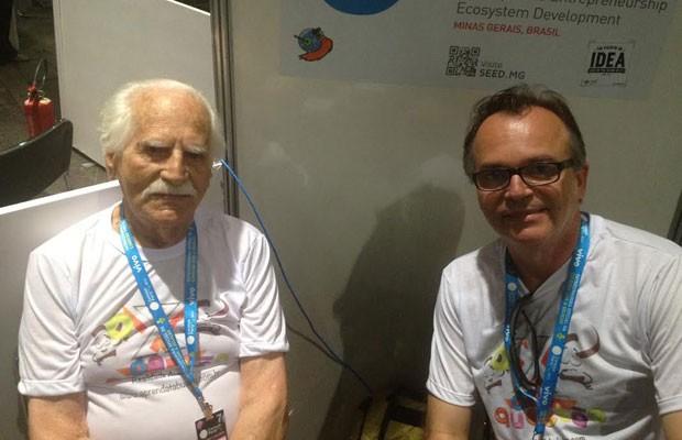 Hermenegildo Garcia Filho, de 85 anos, e seu filho, Fábio Tadeu Garcia, de 51 anos, durante a Campus Party 2014; eles são os fundadores da startup O X da Questão.