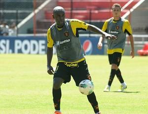 hugo sport (Foto: Aldo Carneiro / Pernambuco Press)