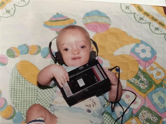 Dallan quando era bebê (Foto: Reprodução Facebook)
