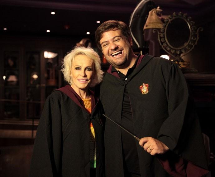 Ana Maria e Bruno Astuto se vestem igual ao Harry Potter (Foto: Marcos Mazini/Gshow)