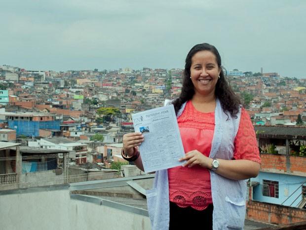 Escola onde a professora Alessandra estudou e hoje leciona fica no entorno de cinco favelas (Foto: Victor Mazon/ G1)