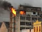 Incêndio atinge prédio na região central do Recife