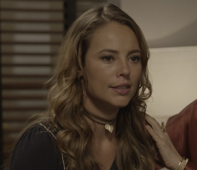 Melissa faz um escândalo no tribunal (Foto: TV Globo)