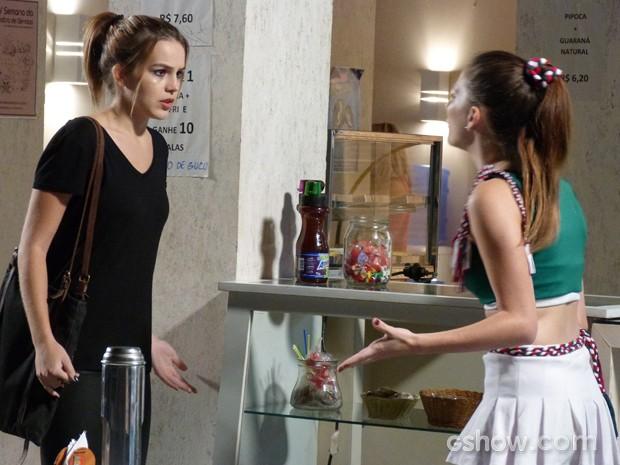 Bruna confessa para Anita que levou o celular a Antônio (Foto: Malhação / Tv Globo)