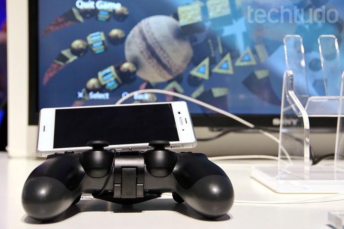 Z3, o novo top da Sony, 'fala' com o PlayStation (Foto: Fabrício Vitorino/TechTudo)