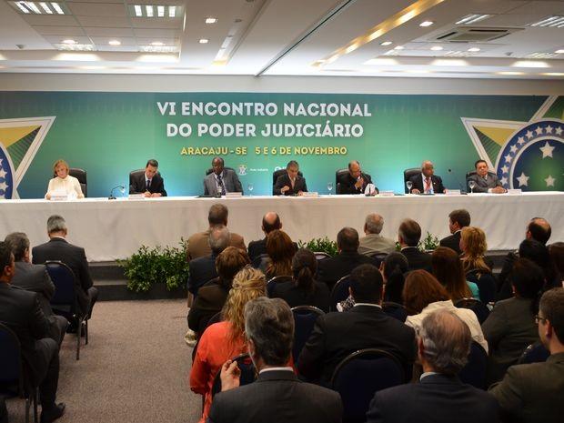 Joaquim Barbosa participa do encerramento do VI Encontro Nacional do Poder Judiciário em Aracaju (Foto: Flavio Antunes/ G1 SE)