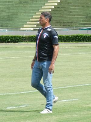 Paulo Cezar Catanoce, treinador Atlético Uberlândia CAP (Foto: Lucas Papel)