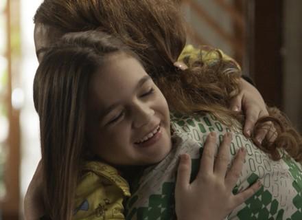 Felícia e Bianca decidem ajudar Salomé a conquistar Massimo