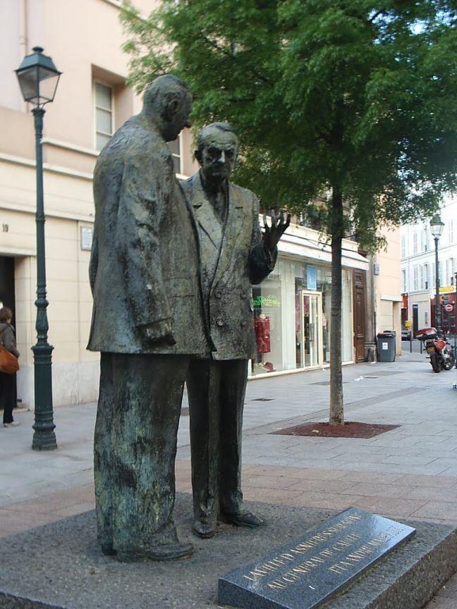 Charles de Gaulle e André Malraux (estátua em Asnières sur Seine) (Foto: JP.Guyomard)