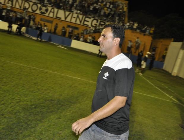 Eduardo Henrique pode estar de saída do Mixto (Foto: Leonardo Heitor/Globoesporte.com)