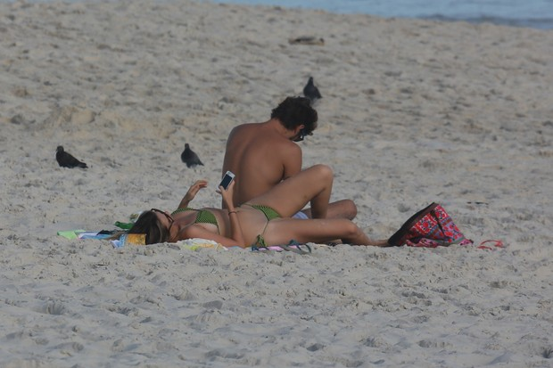 Juliana Didone com o namorado  (Foto: Dilson Silva/Ag News)