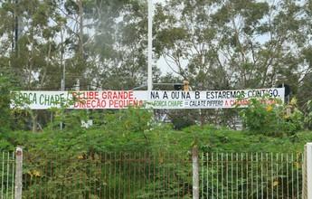 Alex volta em treino com protesto contra direção e apoio à Chapecoense