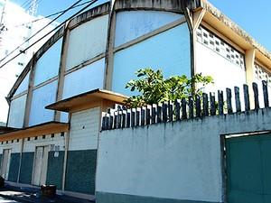 Fundos da escola estadual Benedito Calixto (Foto: Divulgação/Prefeitura de Itanhaém)