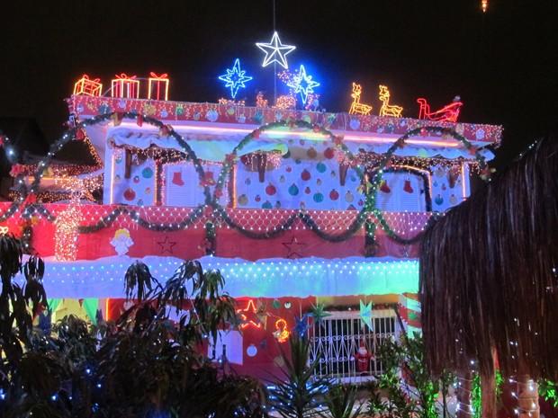 Fachada de casa na Zona Norte fica completamente decorada (Foto: Paulo Piza/ G1)