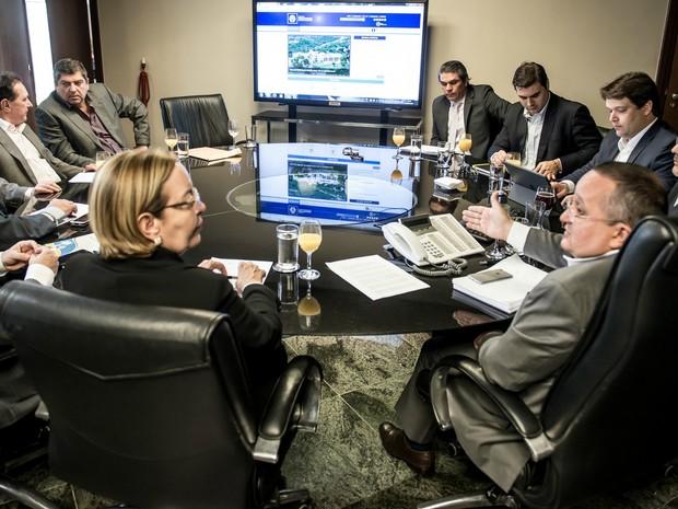 Poderes realizaram reunião em MT para discutir duodécimo (Foto: Divulgação/Gcom-MT)
