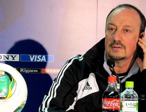Rafael Benitez na coletiva do Chelsea (Foto: Cahê Mota / Globoesporte.com)