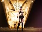Milena Nogueira faz ensaio como Mulher-Gato