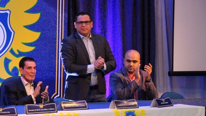 posse de roberto peggy (Foto: Divulgação/Nacional)
