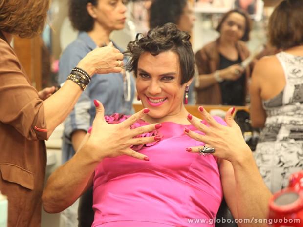 Luiz André Alvim se transforma em Mulher Pau de Jacu pela última vez (Foto: Jacson Vogel/TV Globo)