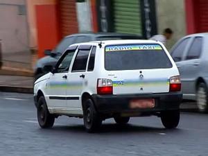 Táxi Tupaciguara (Foto: Reprodução/TV Integração)