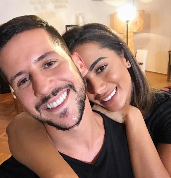 Baile Vogue 2017_Caio Braz e Anitta (Foto: Reproduo / Instagram)