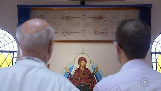 Capela no interior de SP guarda réplica do Santo Sudário