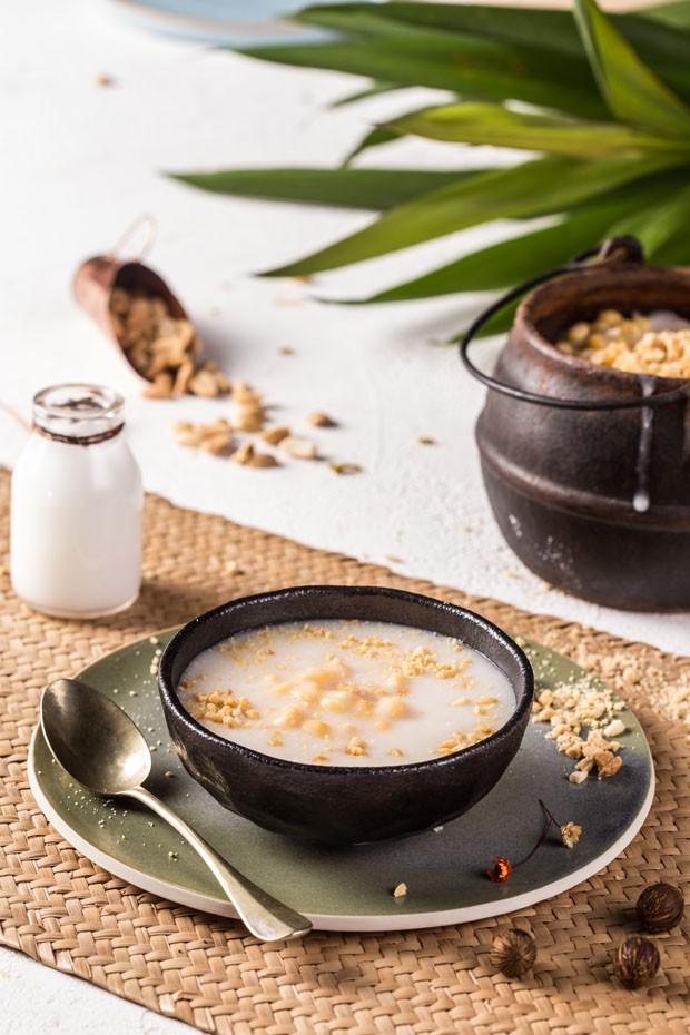 Receita de canjica saudável com especiarias (Foto: Simplesmente)