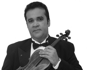 O convidado desta edição é o solista Rucker Bezerra, o primeiro violino e diretor artístico do Quinteto Uirapuru (Foto: Divulgação)