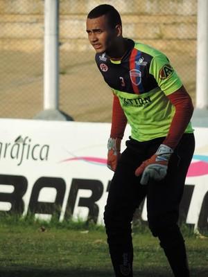 Para goleiro, clube prudentino tem deixado resultados escaparem (Foto: João Paulo Tilio / GloboEsporte.com)