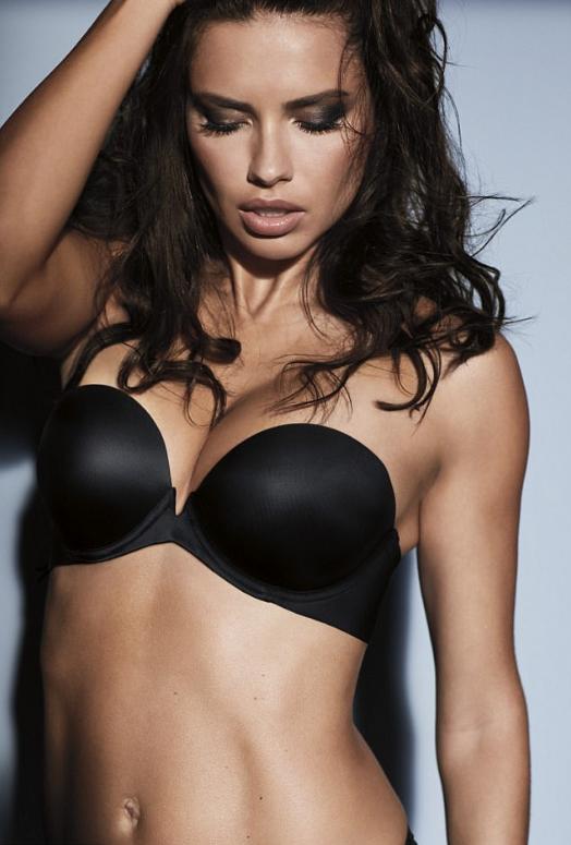 Adriana Lima na campanha Obsessed da Victoria's Secret (Foto: Divulgação)