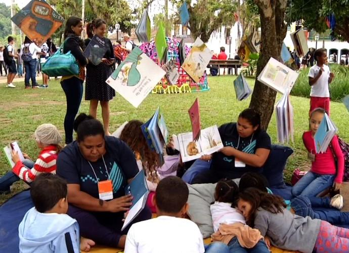 A FLIP tem histórias para adultos, mas também muitos livros para as crianças (Foto: Reprodção/ Rio Sul Revista)