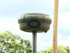 GPS vai ajudar a delimitar pequenas propriedades rurais (Foto: Ely Venâncio / EPTV)