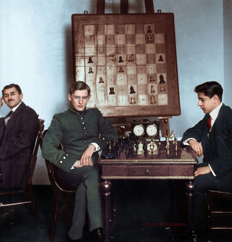 Partida de xadrez entre Jose Raul Capablanca e Alexander Alekhine, em 1913 (Foto: Reprodução)