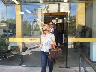 Bianca Toledo e o advogado João Maia (Foto: Priscila Bessa / EGO)