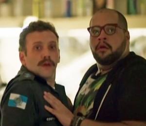 Fran é pego no flagra (Foto: TV Globo)