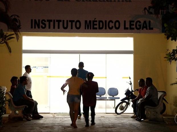 Corpos são liberados do IML de Palmas (Foto: Reprodução/TV Anhanguera)