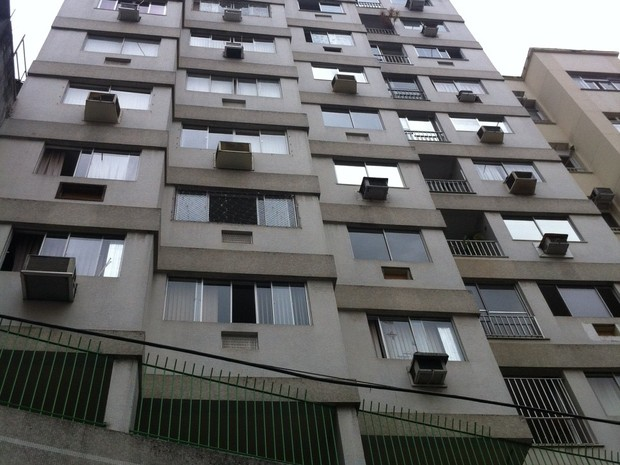 Rio de Janeiro Casal de idosos que morreu na Glória morava no 7º andar do prédio (Foto: Daniel Silveira)