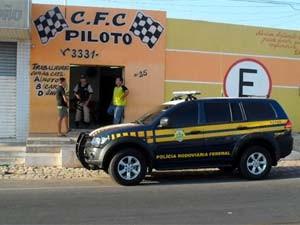 PRF aprendeu documentos na auto escola C.F.C Piloto  (Foto: Cedida)