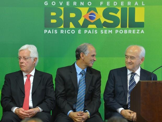 Os novos ministros Moreira Franco, Antônio Andrade e Manoel Dias em rápida cerimônia de posse (Foto: Roberto Stuckert Filho / Presidência)