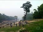 Rios secam e alunos não conseguem chegar nas escolas no Amazonas