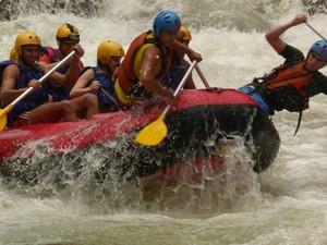 O rafting atrai para o Encontro do Rios os turistas que gostam de aventura (Foto: David Motta/Acervo Pessoal)
