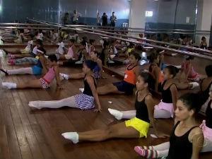 Seleção para bailarinos em Maceió  (Foto: Reprodução/TV Gazeta)