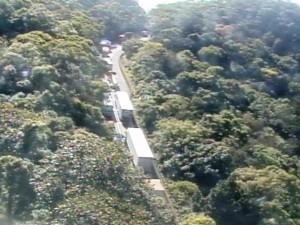 Lentidão na descida de serra tem início no km 43 (Foto: Reprodução/Ecovias)