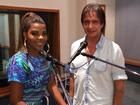 Roberto Carlos e Ludmilla ensaiam para especial de fim de ano