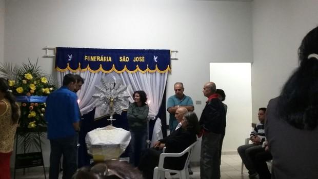 Velório do pai do Celso Santebanes (Foto: Ego)